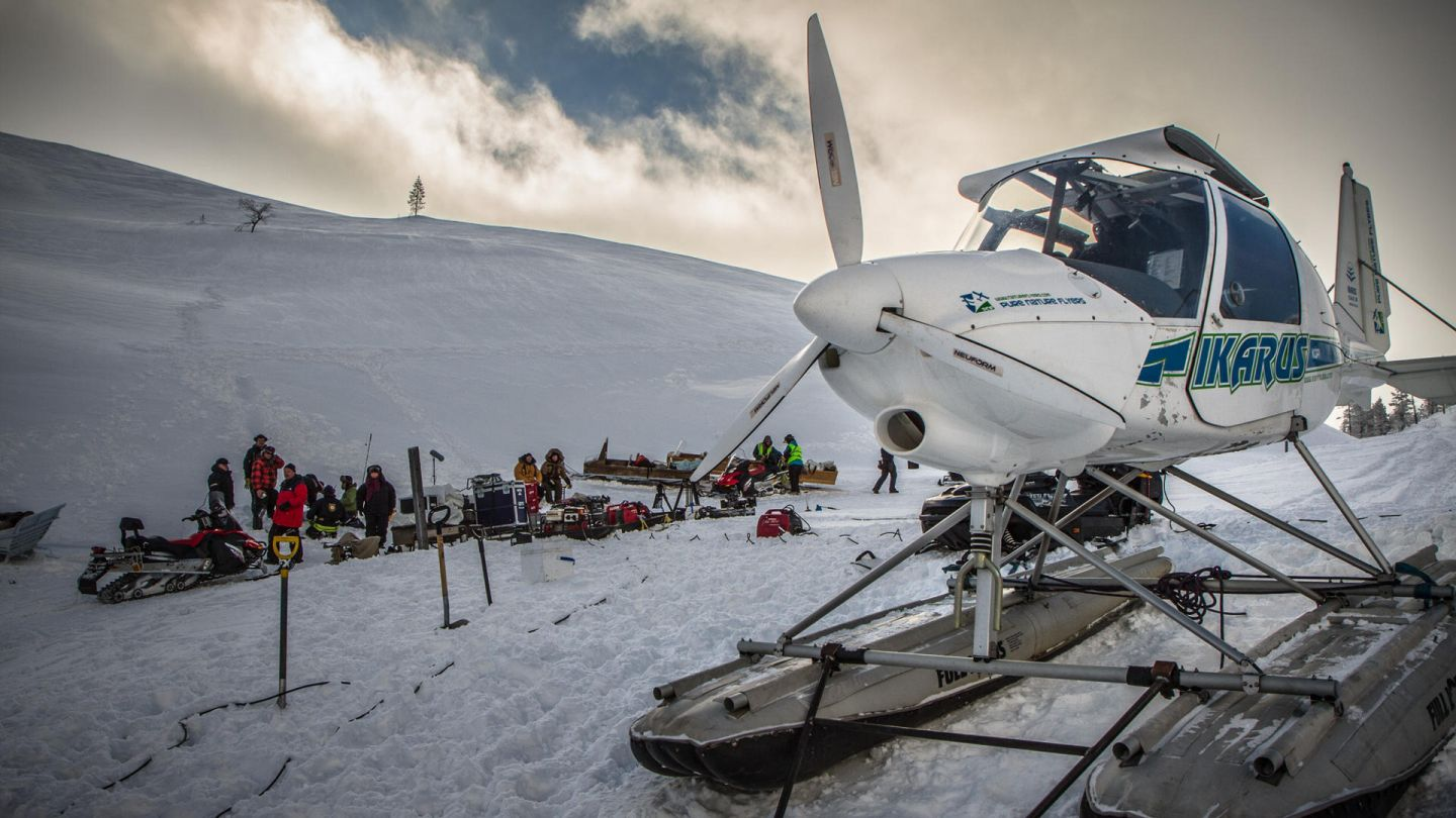 ski plane in lapland mountains