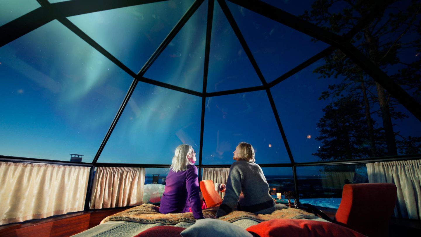 Enjoy time together under the Northern Lights in Glass igloos Levi