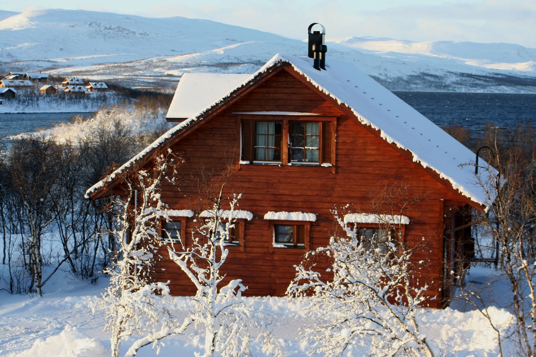 Cabin in Tundrea in winter
