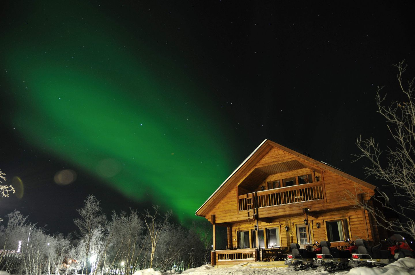 Northern Lights in a tundra sky