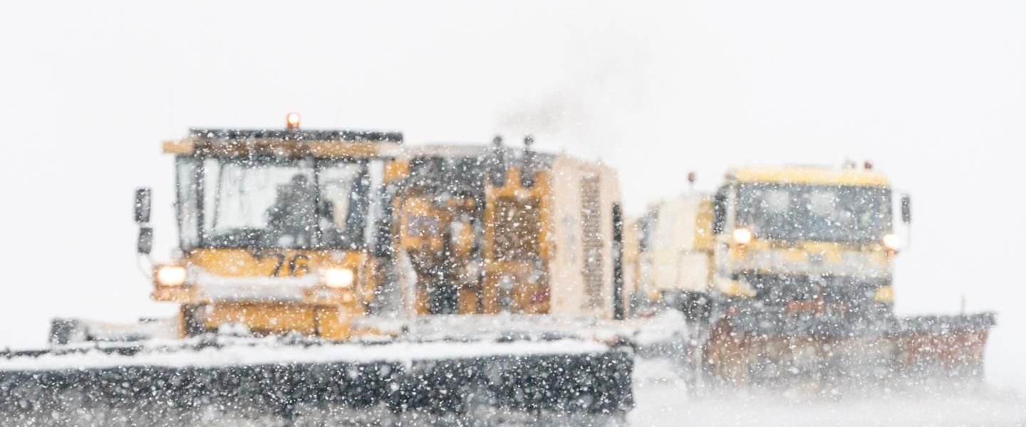 Maintaining runways with snow-how during a snowstorm