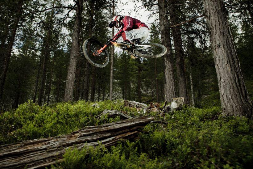 Talented biking in Lapland