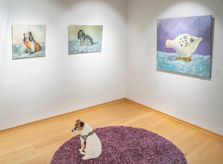 It's dog eat dog art world in Villa Vinkkeli in Rovaniemi, Finland