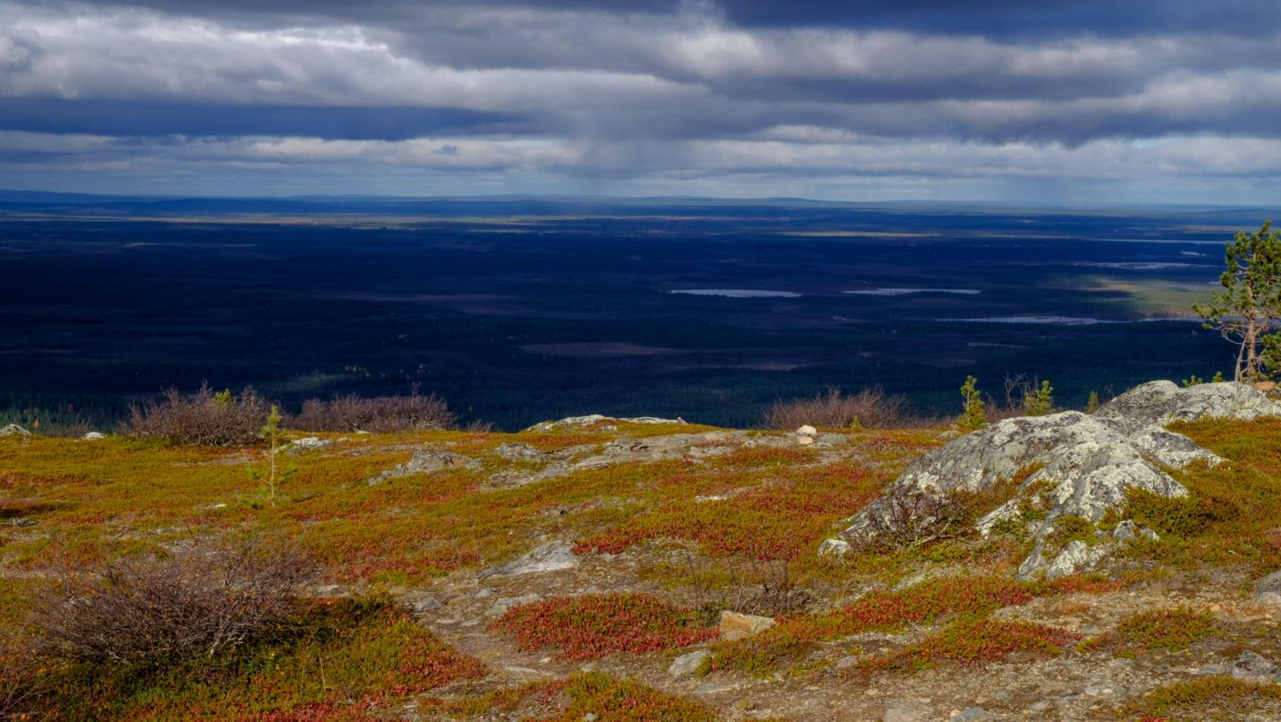 Lapland sea and colors in autumn