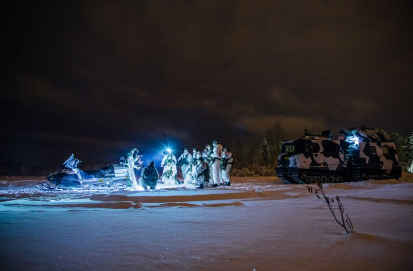 Military operation in arctic conditions