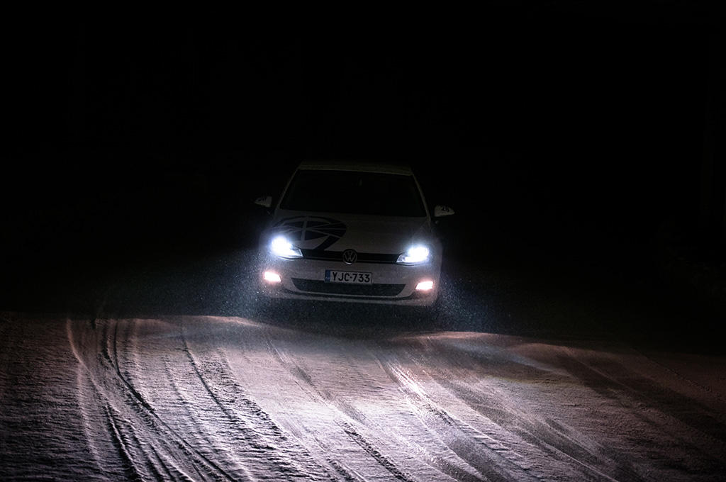 Driving in the dark in the inside snow track at Test World in northern Finland