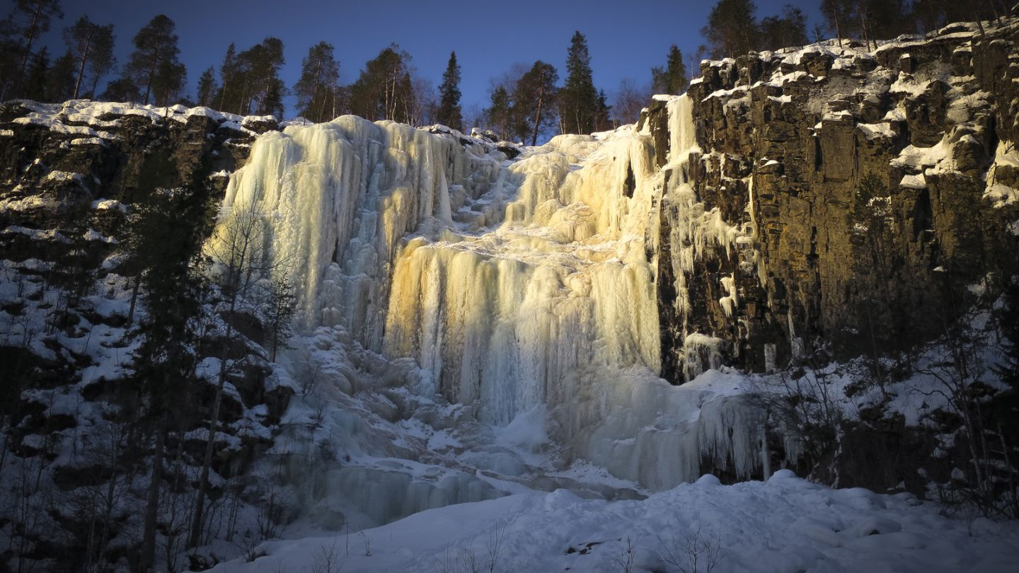 Frozen waterfall in Posio, perfect for ice climbing