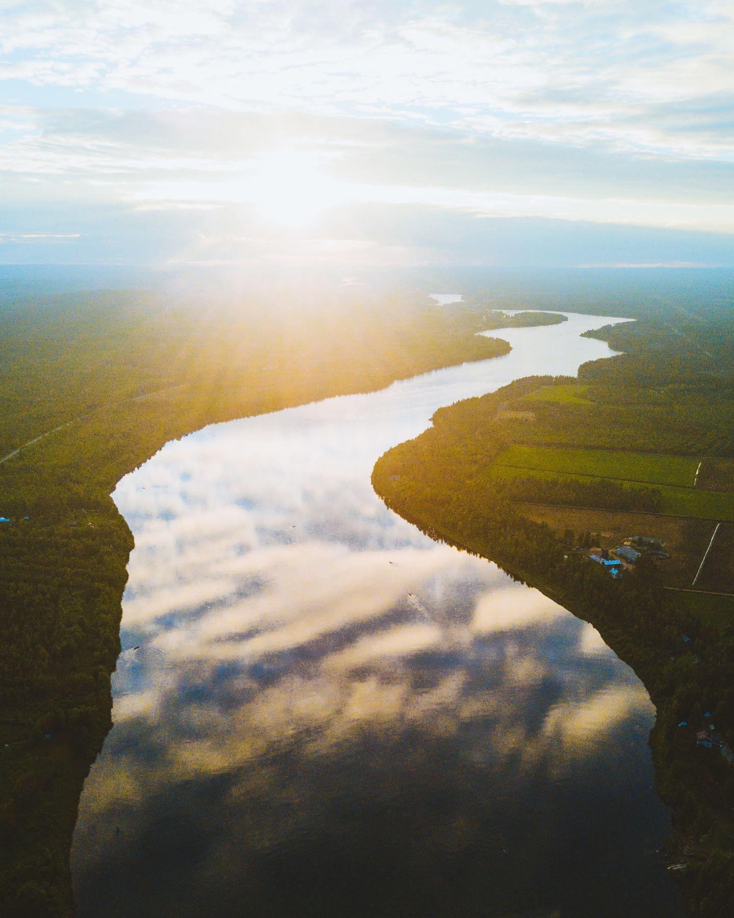 Joki kalastus Lapissa