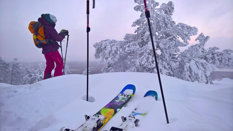 Anna Pakkanen hiihtämässä asuminen lapissa