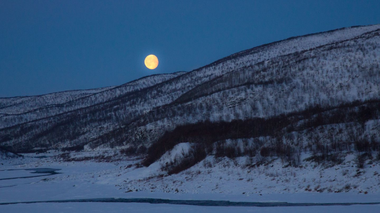 Polar night & moon in Nuorgam, Utsjoki Lapland