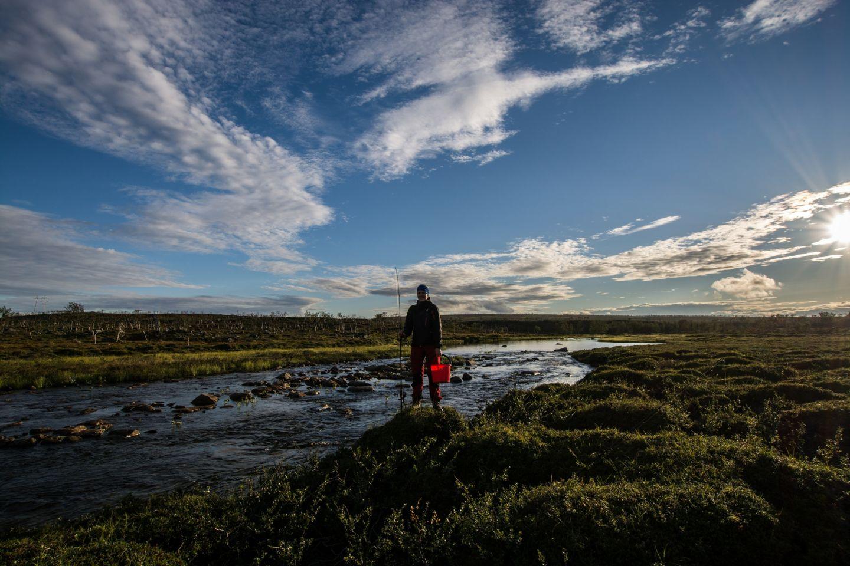Anne Holmin muuttaminen lappiin luonto