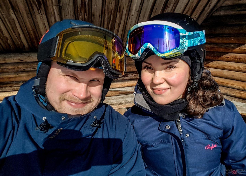 Kati Vesalainen ja Jonne Vaahtera muutto lappiin
