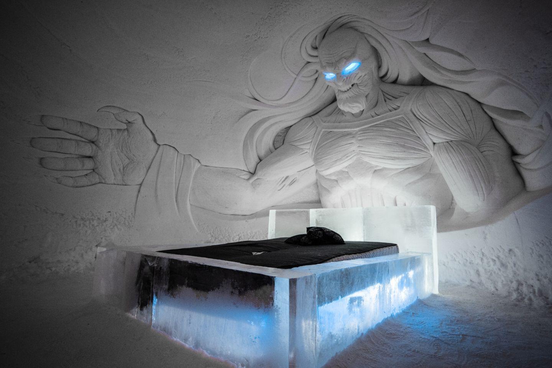 Työ Lapissa lumilinna Game of Thrones teema