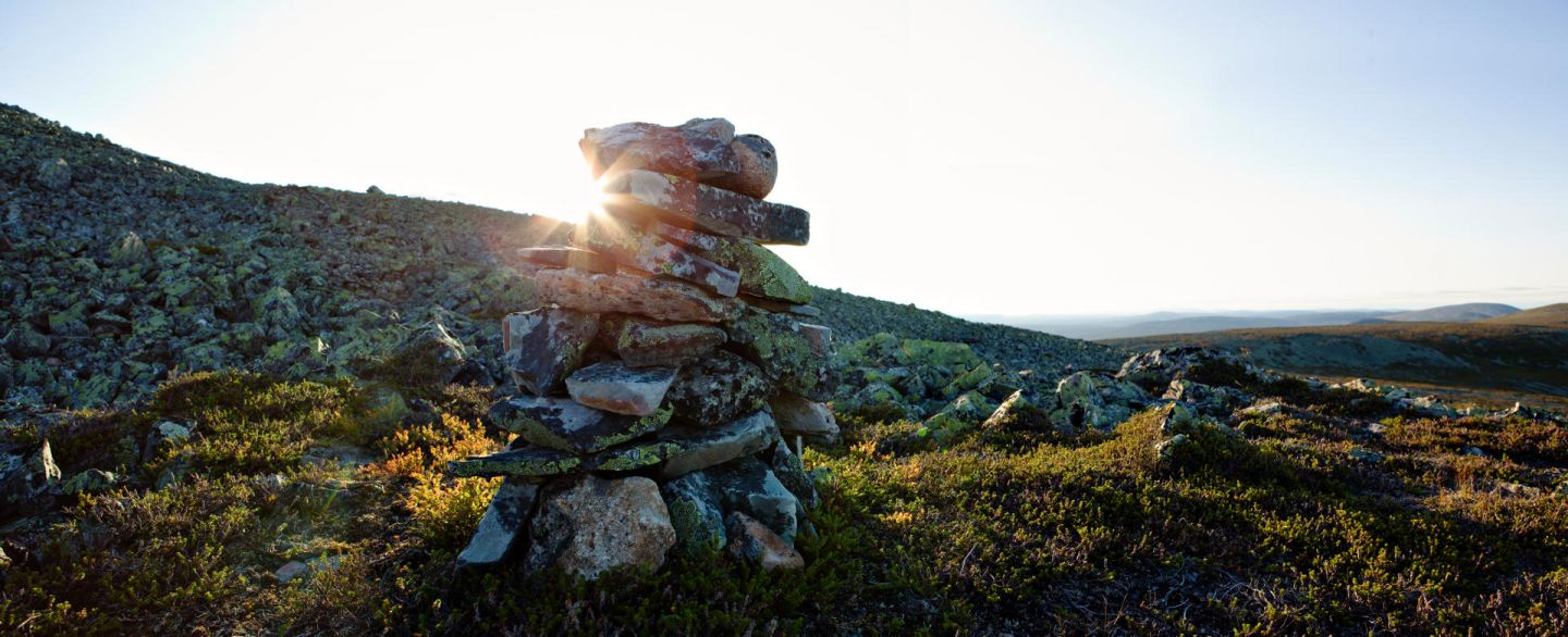Stacked stones at Ylläs | film commission contact