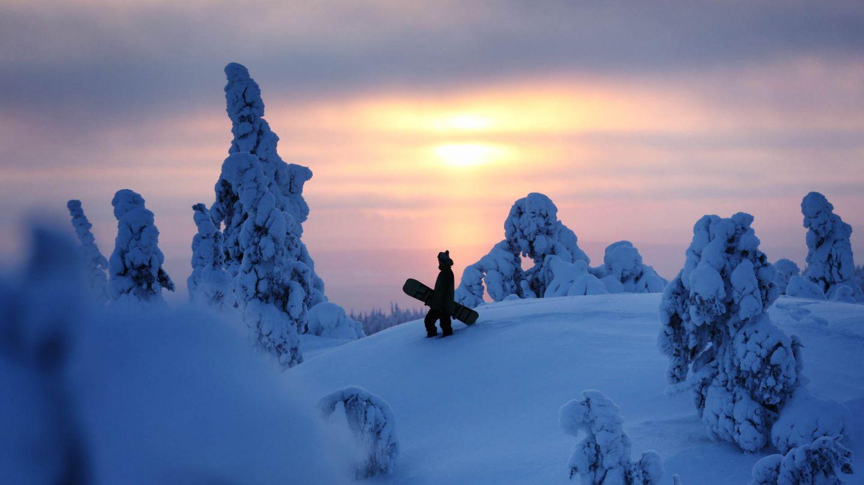 Snowboarder in Lapland
