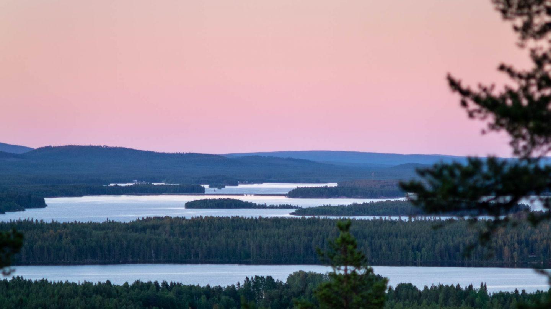 Yötön yö Kemijärven Pitkävaaralla