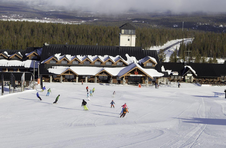 People enjoying downhill skiing in Ylläs Kolari, Lapland