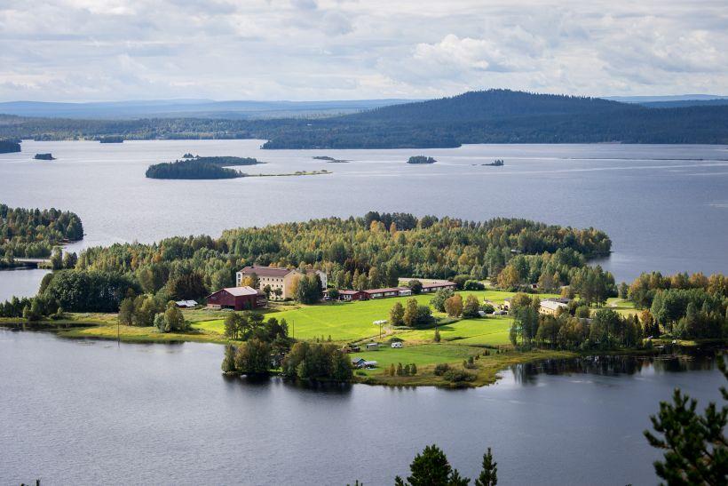 Small islands on a lake in summer in Kemijärvi, Lapland.