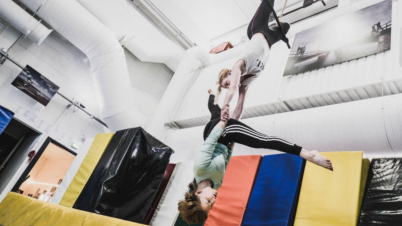 sirkus taika aika pariakrobatia rovaniemi