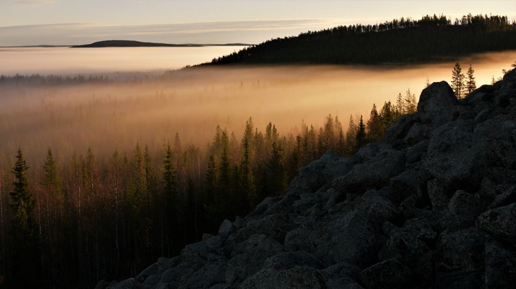 Sunrise hills - Lapland wilderness photographer