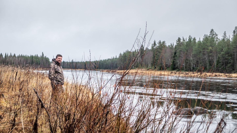 Virtaava Kemijoki ja Kari Kilpimaa