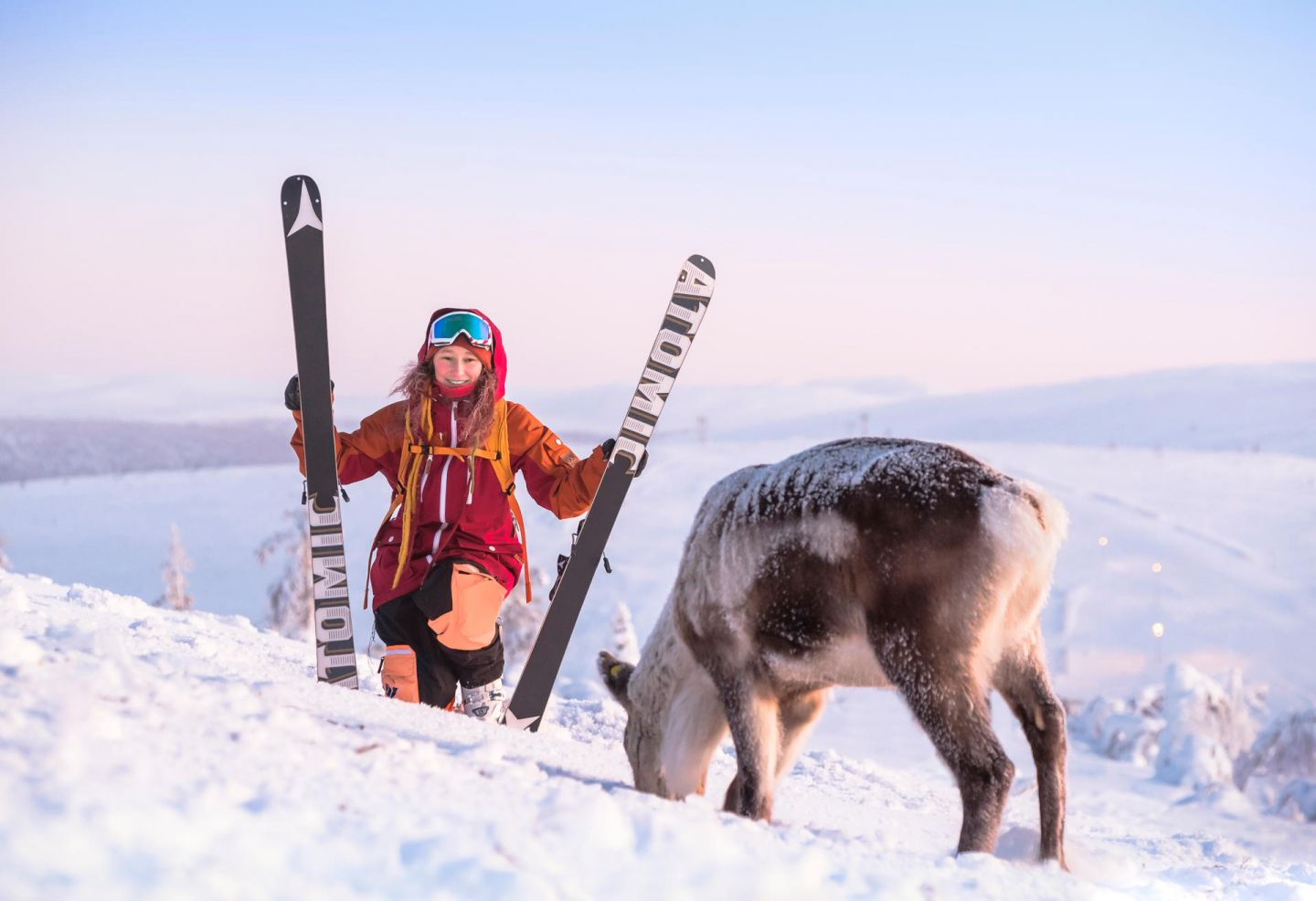 Skier surprised by reindeer friend on Lapland fell