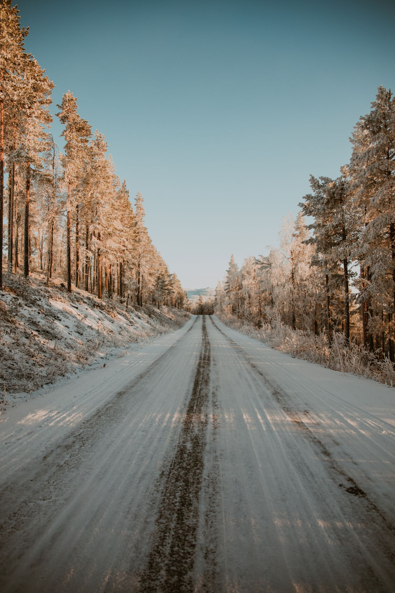 Sunny road, Lapland Winter Photography, Levi, Polar Night