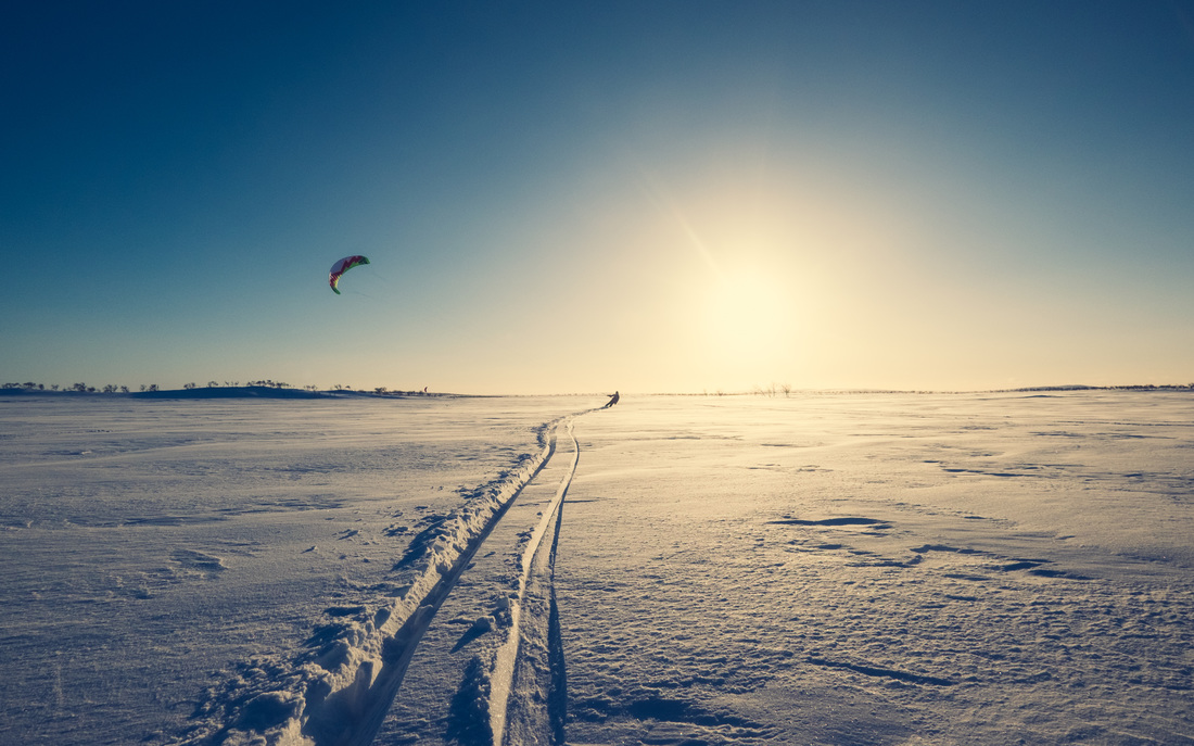 Snowkiting in Nuorgam with Alma Arktika