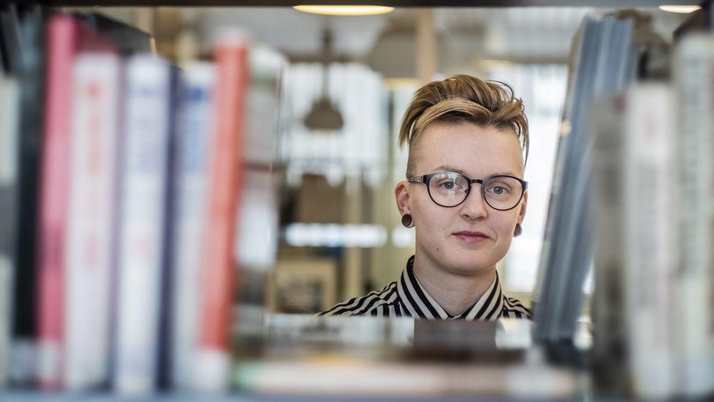 Kirjailija Riina Mattila Rovaniemen kaupunginkirjastossa