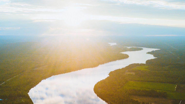 Tornionjoki kesällä.