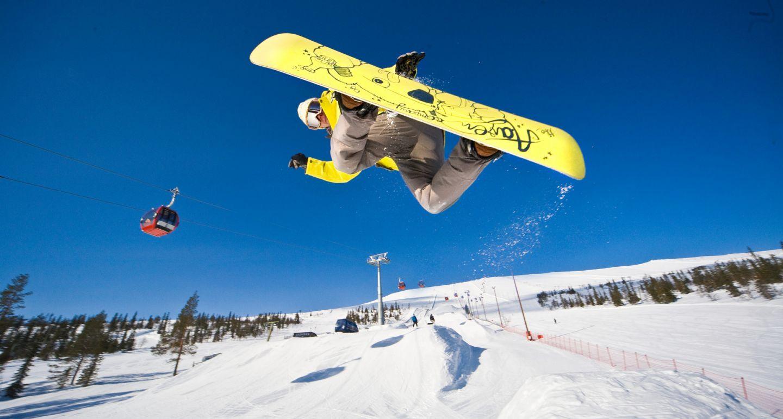 Snowboarding in Finnish Lapland