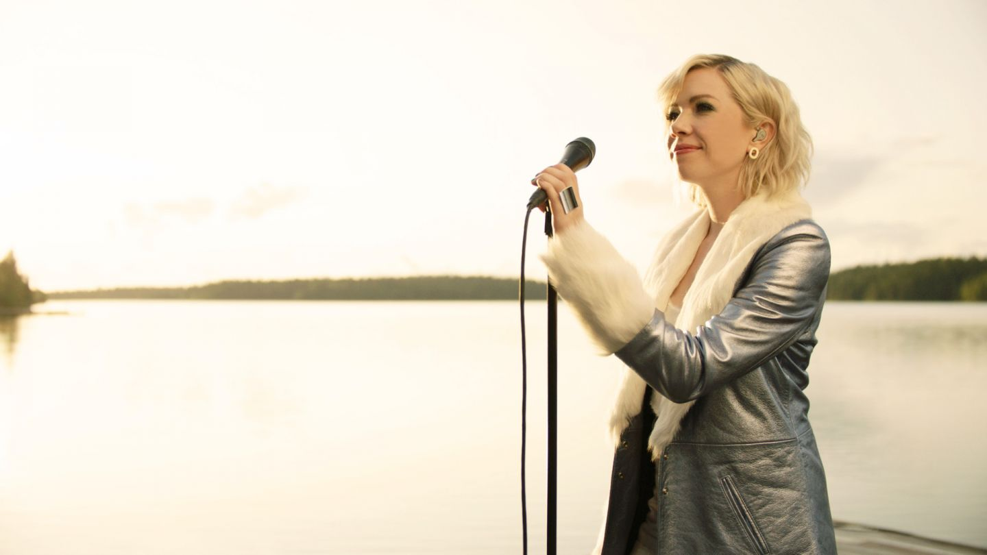 "Carly Rae Jepsen sings ""The Sound"" by a lake in Ruka-Kuusamo"