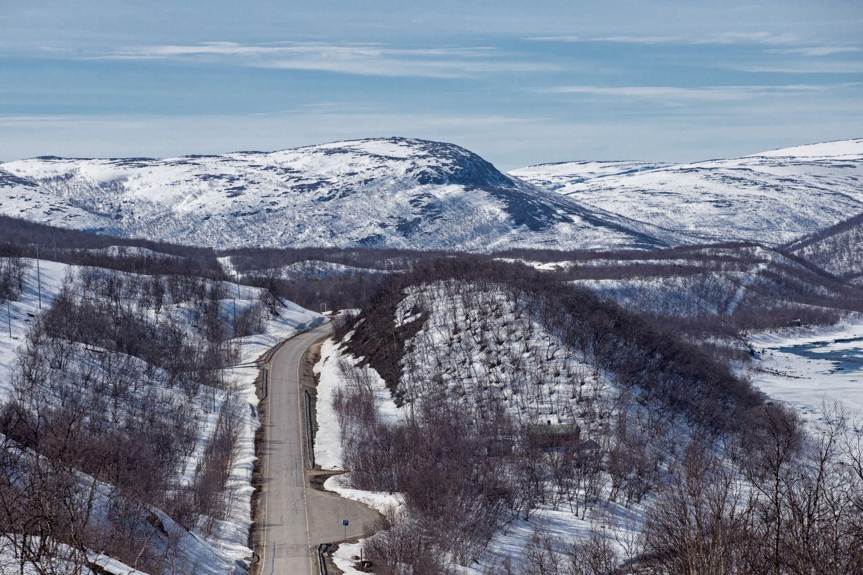 Road by Tenojoki river in Utsjoki
