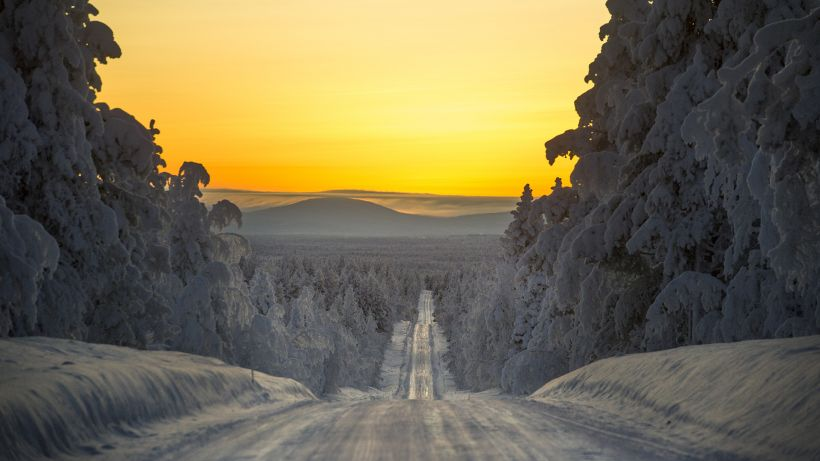 Luminen ja jäinen tie Lapissa