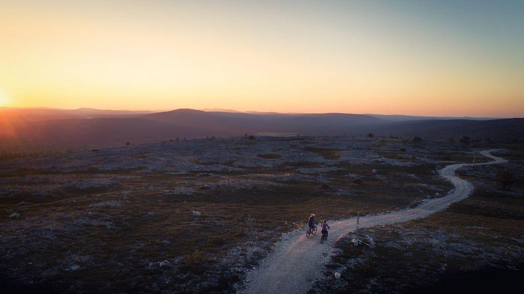 Maastopyöräilyä Kukastunturilla