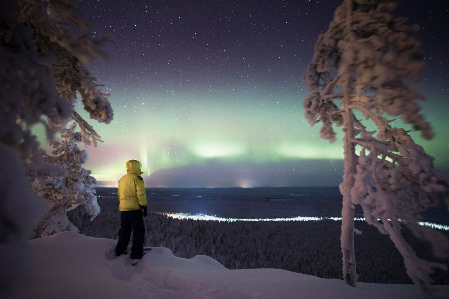 Watching the Northern Lights and #darkskies above Pyhä-Luosto, just one of the reasons to visit Lapland in the winter