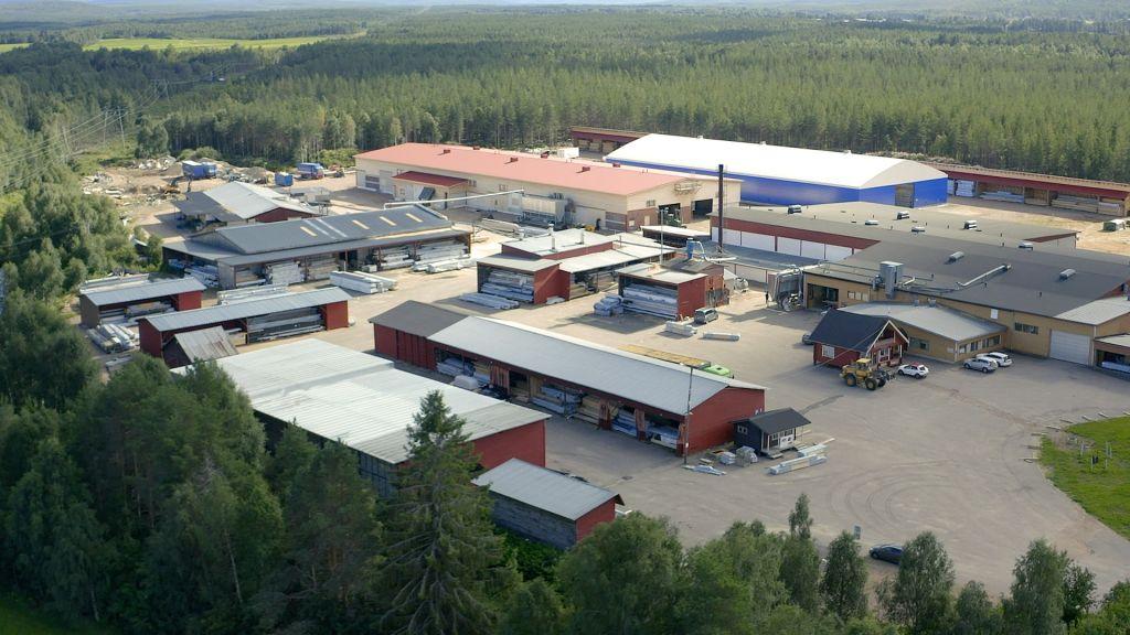 Pellopuun aurinkovoimala on noin 251 000 kilowattitunnin vuosituotollaan yksi Pohjois-Suomen suurimpia.