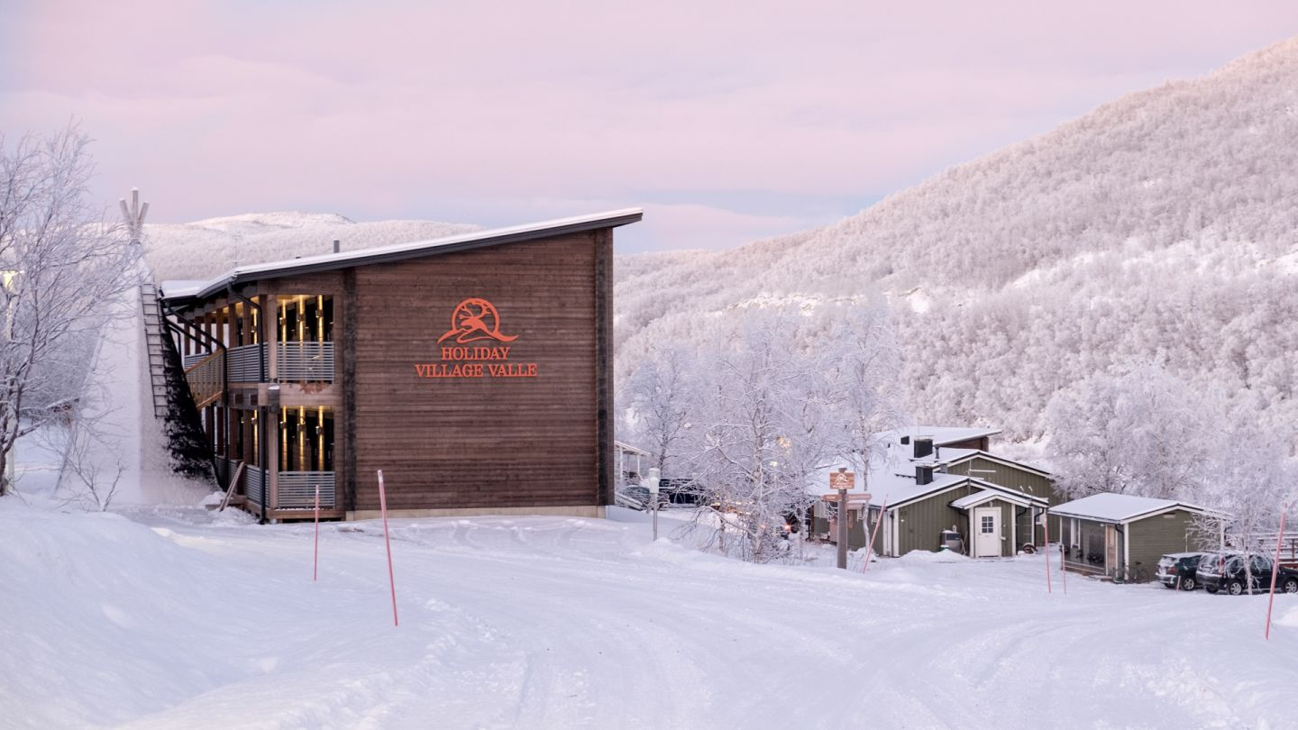 Tourism business Holiday Village Valle with accommodation and programme services in Utsjoki near Tenojoki in the winter
