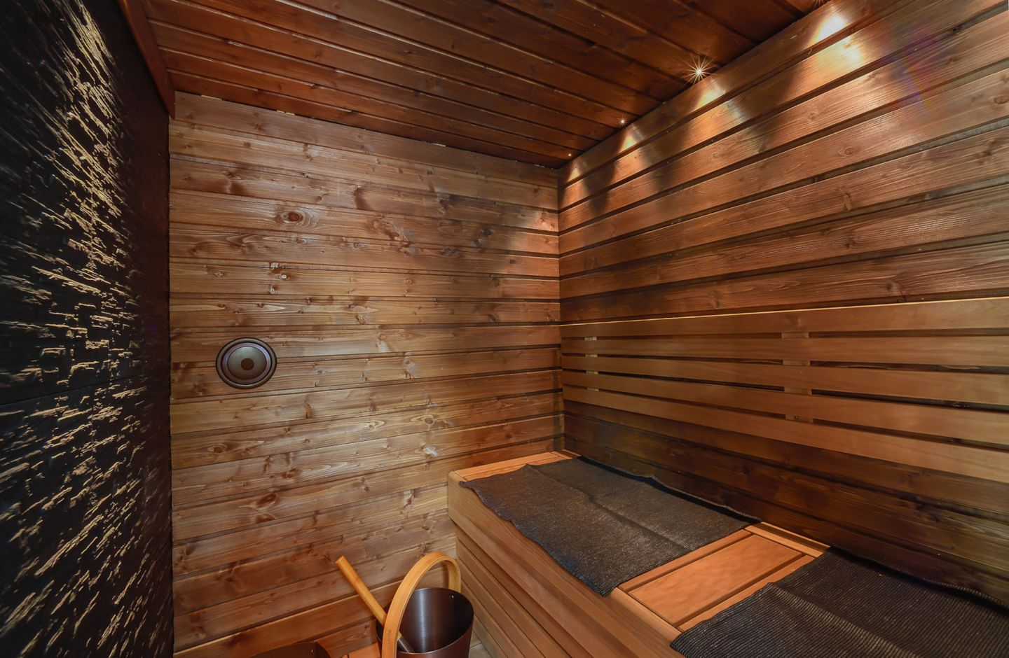 Arctic Glass Cubes in Inari-Saariselkä, Finland, a special summer accommodation in Lapland
