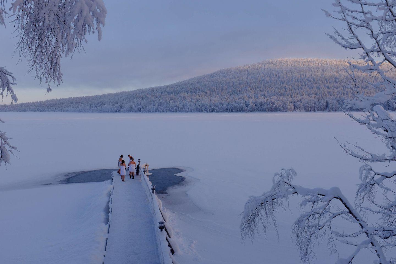 Ice-swimming in Pyhä