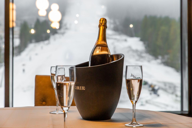 Champagne and the slopes of Suomutunturi Ski Resort