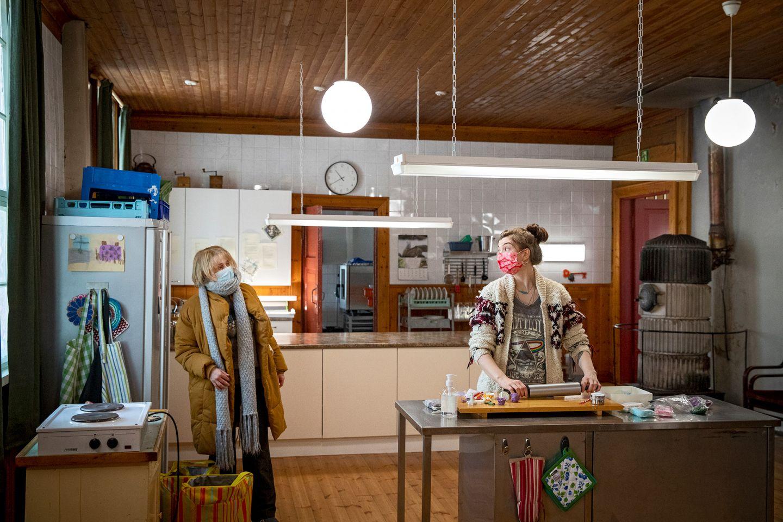 On the set of Huonot naiset in Finnish Lapland