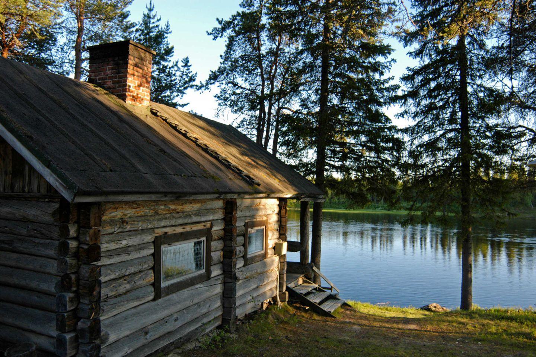 Riverside sauna in Savukoski-Korvatunturi, Finland